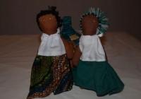 Bambole etniche di stoffa colorata